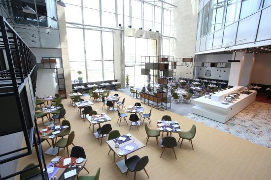 Lobby/Resturant