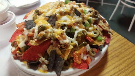 Iroquois Falls, Kanada: Probably some of the best nachos I've had anywhere in canada....no word of a lie