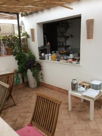 La Fonda Barranco: Vue terrasse buffet petit déjeuner