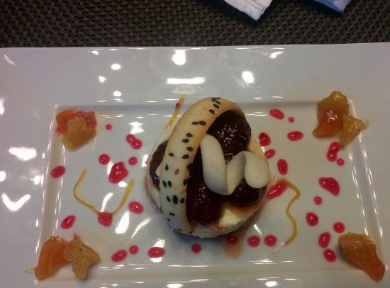 Le Meridien Mahabaleshwar Resort & Spa: mixed berry cheesecake