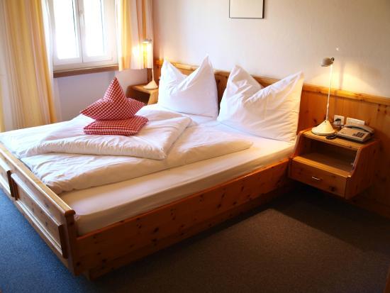 Hotel Engiadina: Schlafzimmer