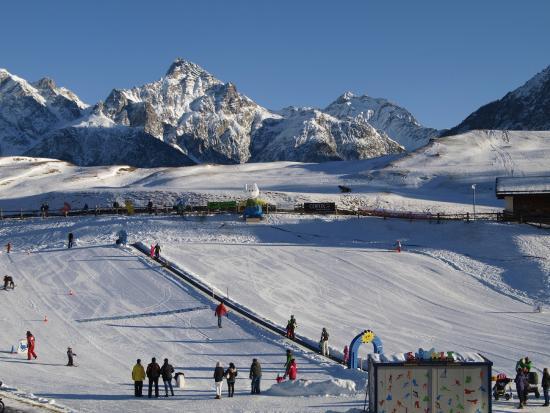 Ftan, سويسرا: Kinderlift Sainas