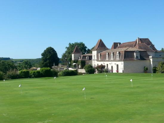 Monestier, Frankreich: View of Chateau from Brasserie terrace