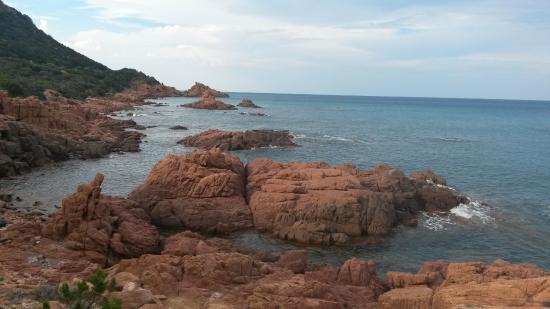 Marina di Gairo, Italia: su sirboni - rocce rosse