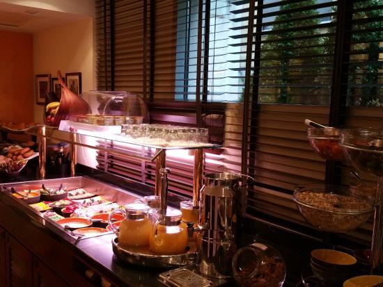 Buffet Breakfast Picture Of Hotel Kipling Manotel