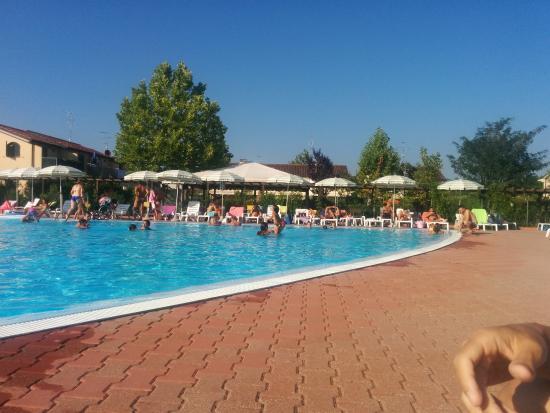 Piscina foto di villaggio club teodorico punta marina terme tripadvisor - Piscina comunale ravenna prezzi ...