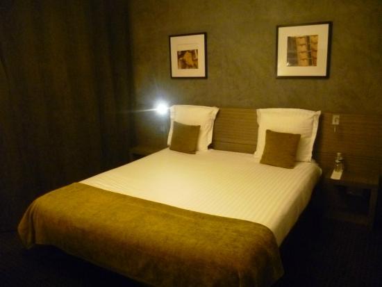 Best Western Hotel De La Cite: photo du lit qui est en 160 et très confortable!