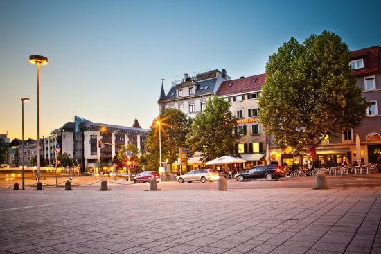 Der Wilhelmsplatz Bild Von Schräglage Meals More Stuttgart