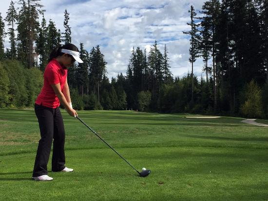 Roberts Creek, Canada: Teeing off at SCGCC