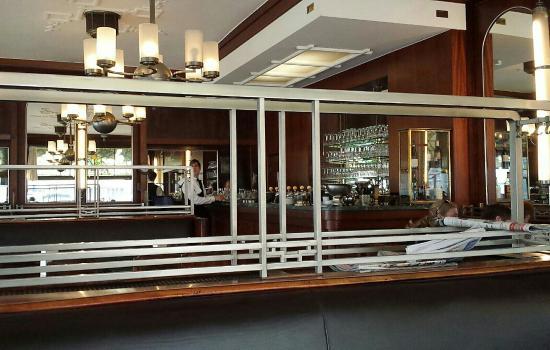 Hotel du Parc: Great art deco cafe.