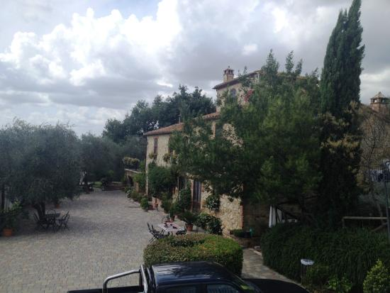 Podere Santa Maria: Front yard
