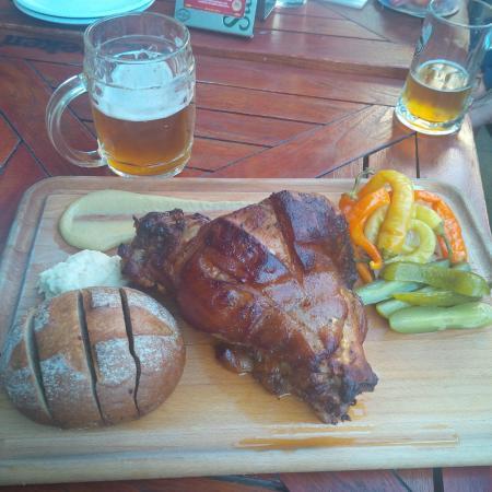 Pivovarska pivnice: Roasted Pork Knuckle