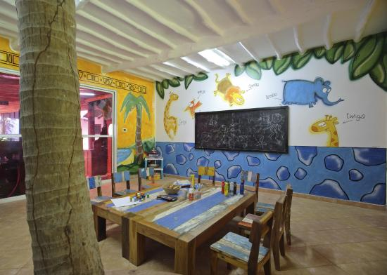 Bluebay Beach Resort and Spa: Kid's Club