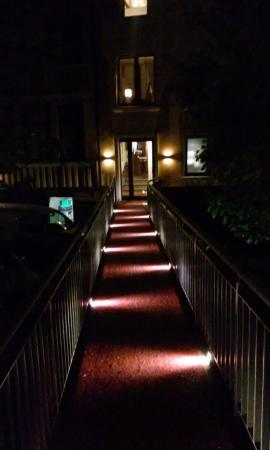 Von Korff's Rest & Relax Hotel : outside view at night