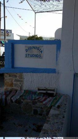 Dionysia Studios : Sign