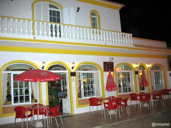 Restaurante O Girassol in der Est. Vale Rabelho