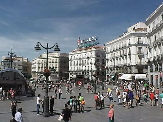 Porta do sol picture of puerta del sol madrid tripadvisor for Puerta del sol santiago