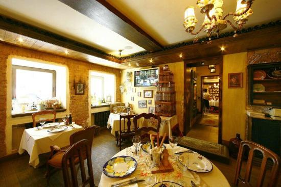 Piccolino moscow restaurant reviews phone number for Piccolino hotel decor
