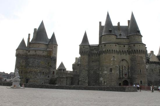 4 picture of chateau de vitre vitre tripadvisor. Black Bedroom Furniture Sets. Home Design Ideas