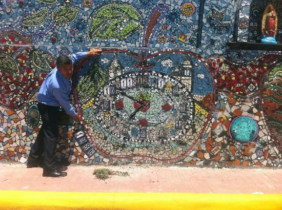 Visita Al Mirador Dela Barranca Y El Mural Picture Of Mirador De