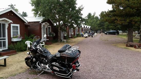 East Glacier Motel & Cabins: Cabins