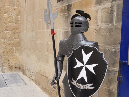 the knights of malta picture of the knights of malta mdina tripadvisor. Black Bedroom Furniture Sets. Home Design Ideas