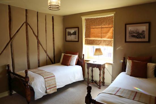 Black Boys Hotel & Restaurant: Twin bedroom
