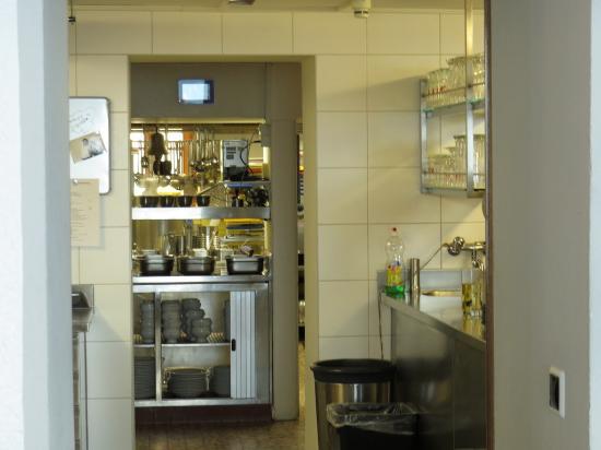 Hotel Belalp: Hotel kitchen area