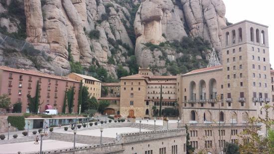 Barcelona Turisme Montserrat & Sitges Day Tour: love
