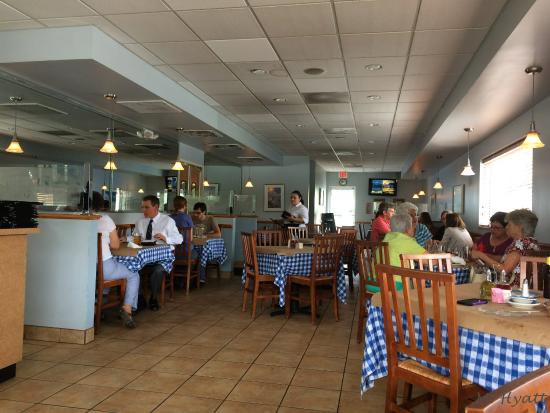 Athena Greek Taverna : A view of the restaurant