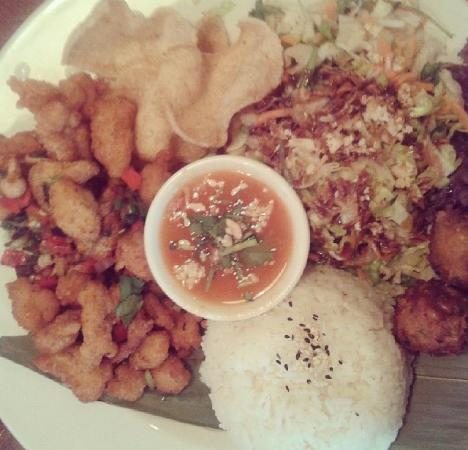 Banana Tree Watford: chicken on the combo plate