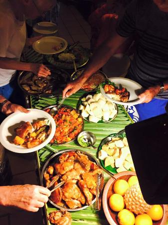 Navini Island Resort: Food is very good.
