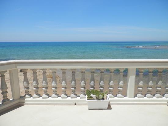 B&B La Casa di Montalbano: la veranda sul mare