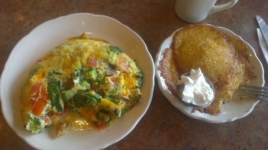 The Original Pancake House: Veggie Omelet with Potato cakes