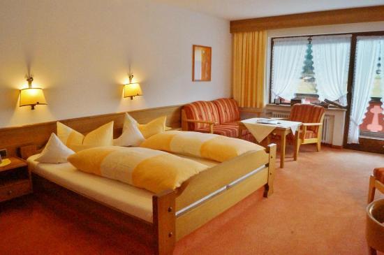 Ferienhotel Barmsee: Doppelzimmer mit Blick auf die Berge