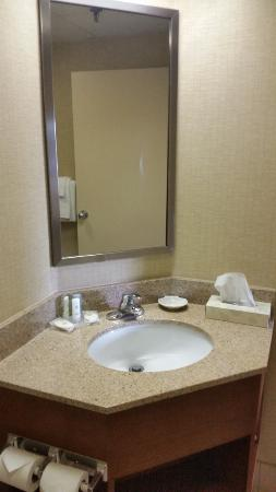 Comfort Inn: Vanity