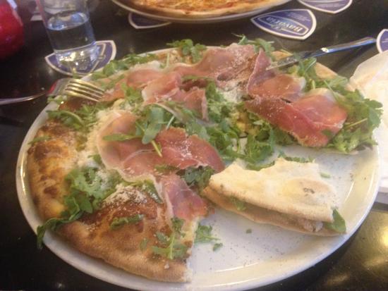Pizza San Daniele e formaggio - Picture of Happy Italy ...