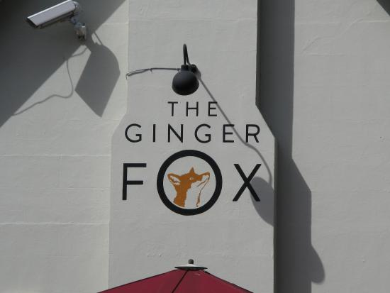 Sturminster Marshall, UK: The Ginger Fox