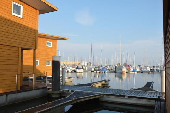 Floating Houses Marina Kroslin: Blick auf das floating house