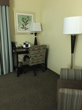 Hampton Inn Belton / Kansas City area: One of the nicest places I ever stayed..  The have a free happy hour from 5-7 I think it is with