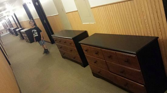 Pacific Junction, ไอโอวา: Remodel...new dressers