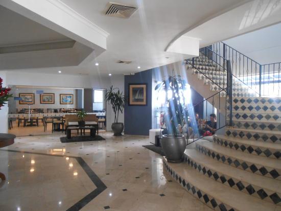 Hotel Regatta Cartagena: Hall