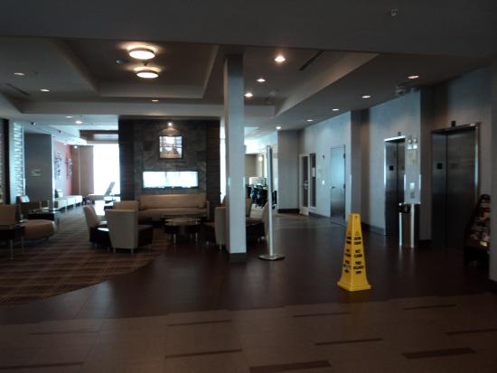 hall picture of holiday inn express detroit downtown. Black Bedroom Furniture Sets. Home Design Ideas
