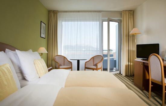 Orea Hotel Voronez: room