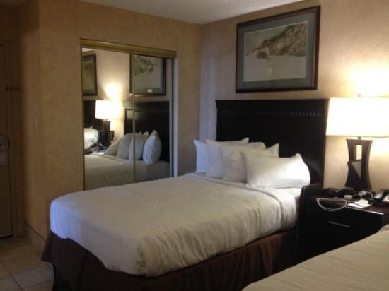 Bedroom Of Oceanfront 2 Doubles Suite Foto Di Beach Quarters Resort Virgin