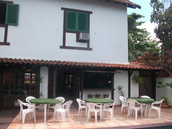 Barla Inn: Bar a lado de la piscina