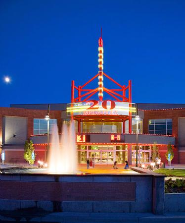 Megaplex Theaters, The District