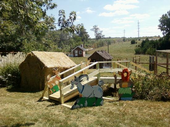 Cambridge, IA: Billy goat Gruff and 3 little pigs in storybookland