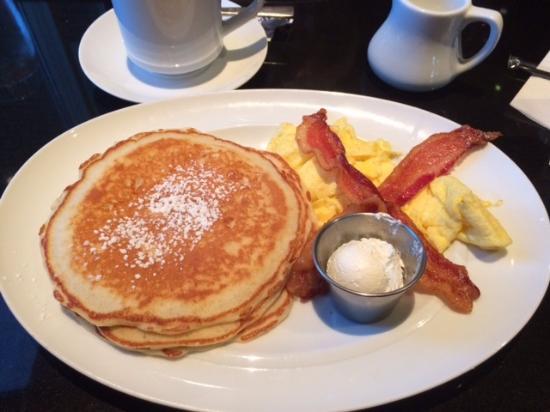 The Artesian Hotel, Casino & Spa : Breakfast at Springs