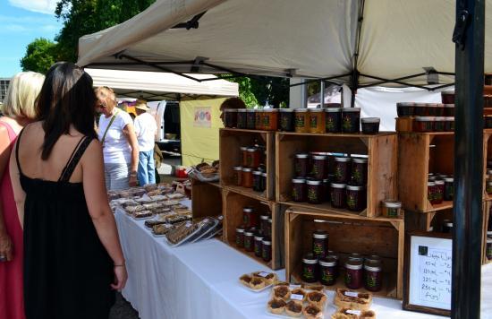 Penticton Farmers' Market : Homemade baked goods & jams/jellies at market